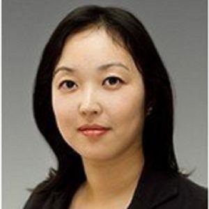 Dr Helen Do